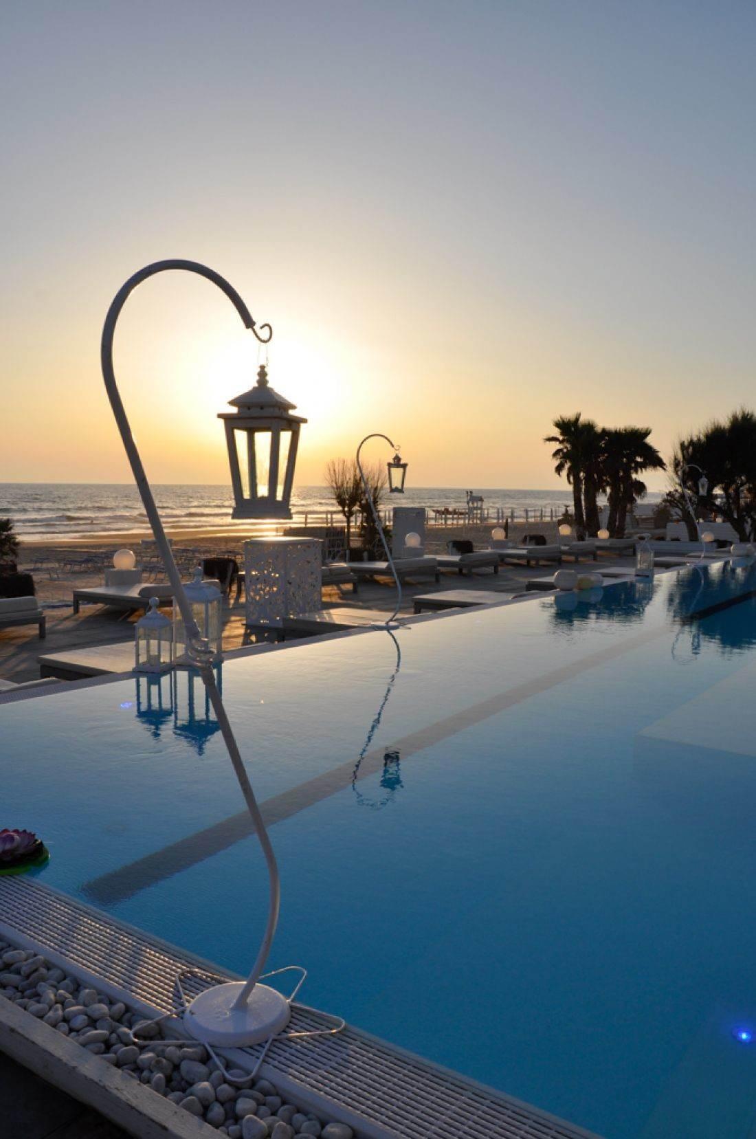 Matrimonio Religioso In Spiaggia : Matrimonio in spiaggia a napoli