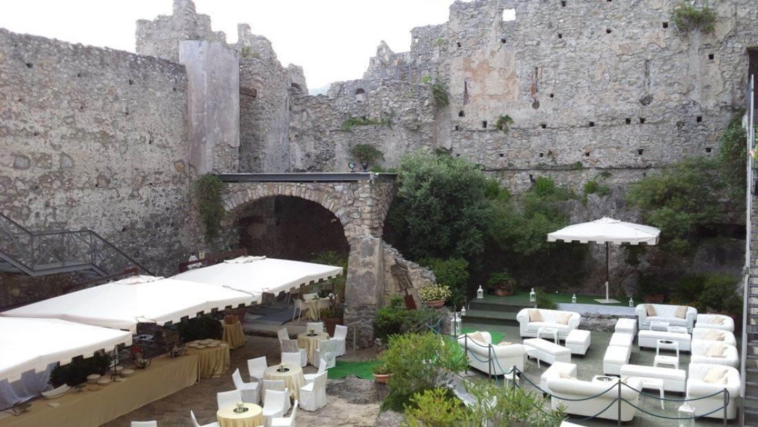 Tema Matrimonio In Un Castello : Castello di san sebastiano da po joyphotographers