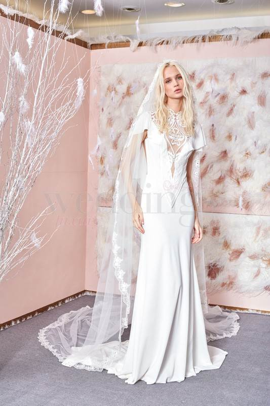 gala-810-front-with-veil