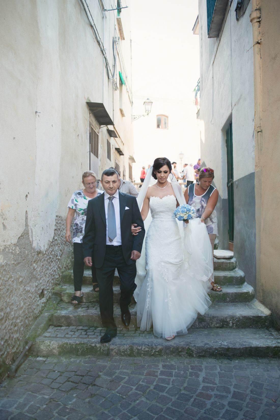 9df95cffbc6c Tradizioni e superstizioni  il colore dell abito da sposa - Weddings