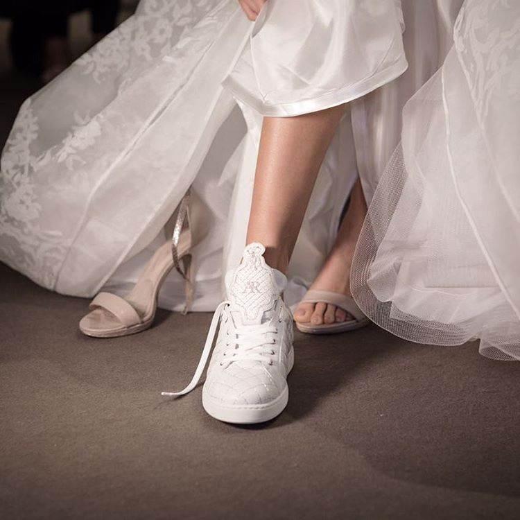 """0502cfcddb Antonio Riva la lancia con il nome di """"The Second Shoes"""", la sneaker da  sposa perfetta per il wedding look contemporaneo, giovane e frizzante."""