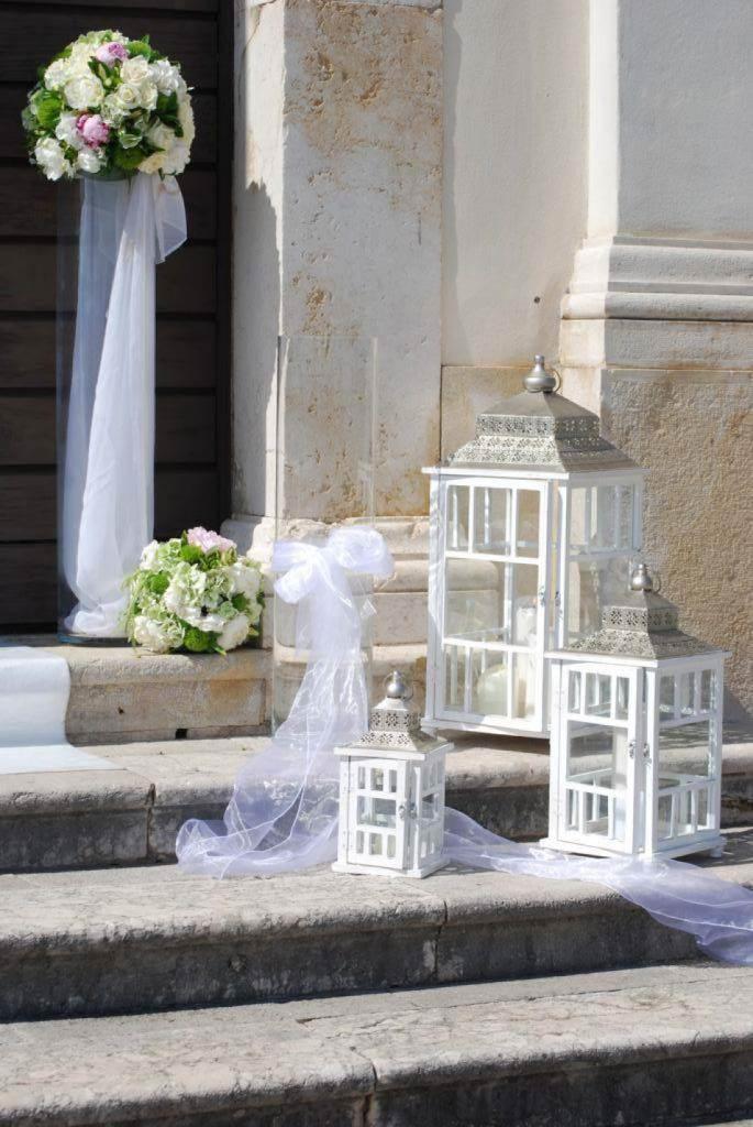 Matrimonio religioso come decorare l esterno della chiesa - Abbellire ingresso esterno ...